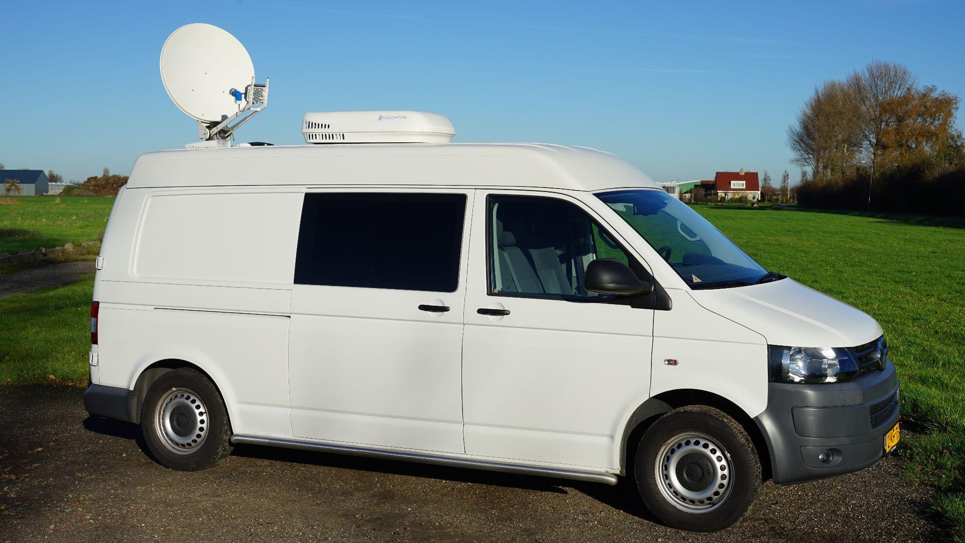 Wireless News Gathering (WNG) satellietwagen.jpg